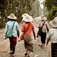 Working in Birmania di