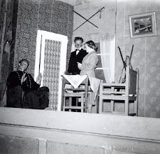 Photo: Bygdegården 1952 Amatörteater. Jörgen Jörgenssen, Rolf Karlsson Löa, Gun Eriksson