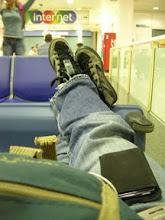 Photo: Mientras esperaba el regreso a España en London-Gatwick. Waiting my fly to come back to Spain, 23th May 09.