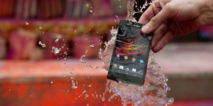 Sony Xperia Z đáng mua ở khả năng chống nước chống bụi cao cấp