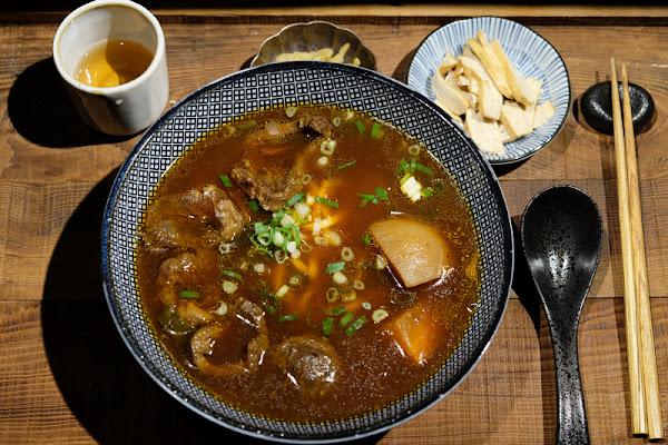 【板橋】門前隱味牛肉麵:限量30碗僅收預約客!湯頭濃郁肉透嫩,美味推薦