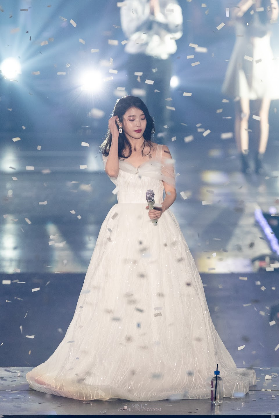 iuwhitegowns_10th anniversary concert 2018 2