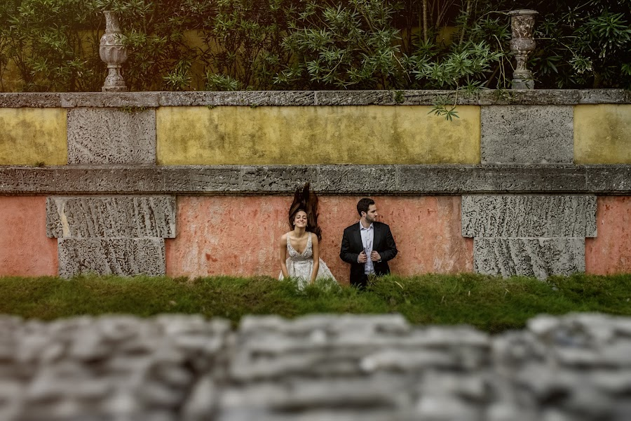 Wedding photographer Víctor Martí (victormarti). Photo of 27.12.2017