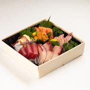 136. Deluxe Sashimi Combo