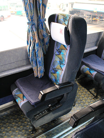 阪急バス「よさこい号」昼行便 2890 桟橋高知営業所にて シート