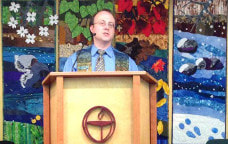 Rev. Andrew at the UUFP pulpit