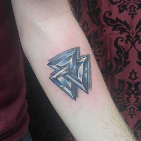 vaulk knot tattoo.jpg