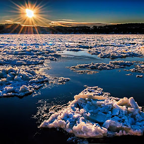 St. Lawrence River on Ice by Clermont Poliquin - Landscapes Waterscapes