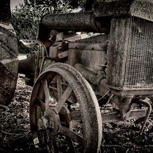 Brown Tractor_pe.jpg