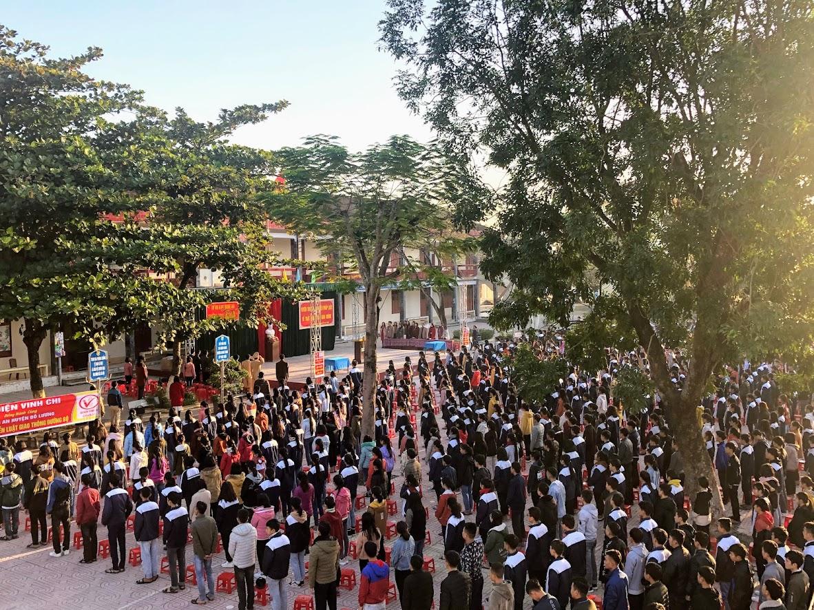 Hơn 1.400 học sinh, cán bộ giáo viên tham dự buổi tuyên truyền