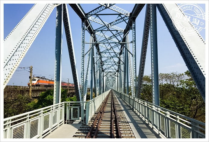 舊鐵橋濕地公園橋上