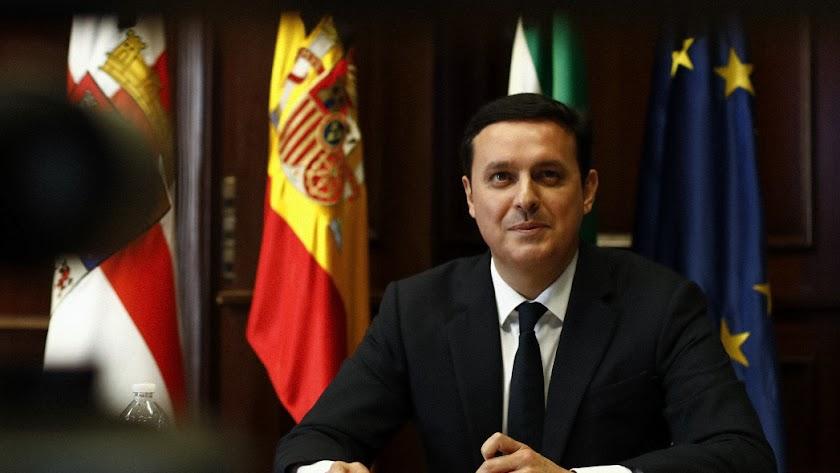 Javier A García, presidente de la Diputación Provincial.