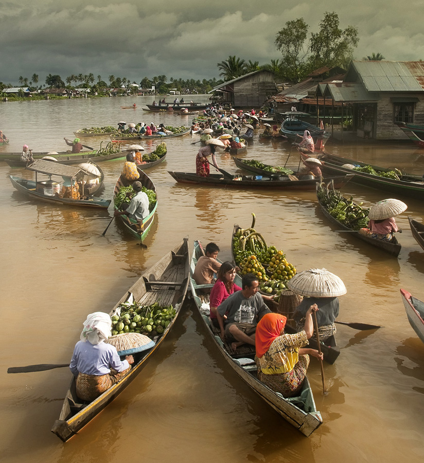 Floating market by Frans Nasution - Transportation Boats ( indonesia, floating, river, borneo )