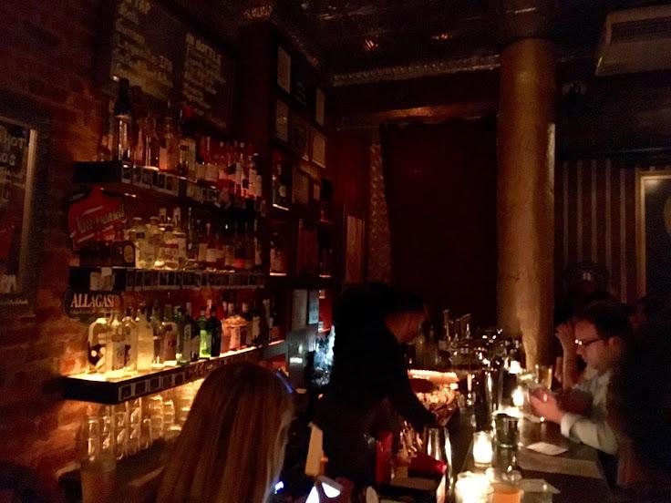 The bar scene at Nurse Betty.