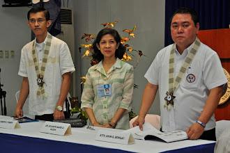 Photo: Dr. Alfredo C. Fabay, Dr. Jessamyn Yazon, and Naga City Mayor John G. Bongat