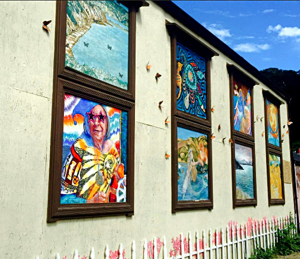 Mural on the side of Bolinas Market.