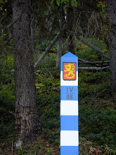 Photo: The Finnish seal on the border post