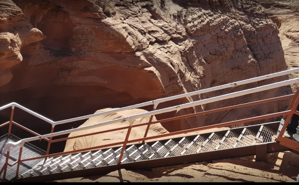 How Hard Are Lower Antelope Canyon Stairs?