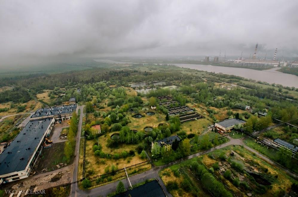 Территория биохимического завода, Кириши