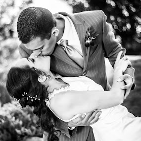 by Daniel MARTINEZ - Wedding Bride & Groom