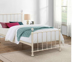 Elegant Children's Metal Bedstead