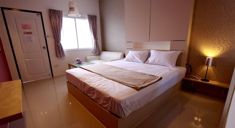 Bearing 26 Hotel