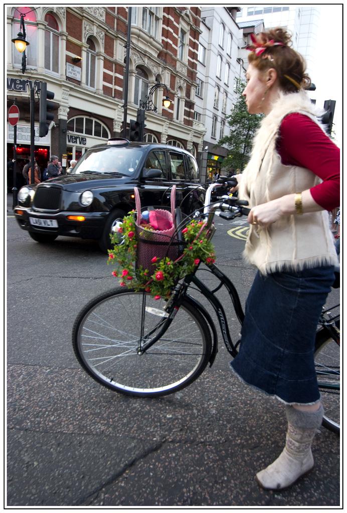 Bici floreale londinese di Pierluigi Terzoli