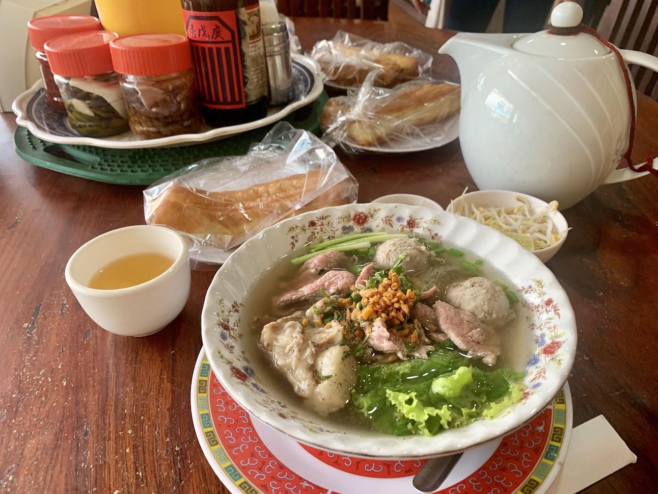 ( I Hong Restaurant の牛肉麺)