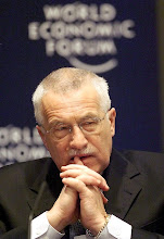 Photo: DAVOS/SWITZERLAND,26JAN01 - Vaclav Klaus, President of the Chamber of Deputies of the Czech Parliament, listens to another participant's speech during the session 'Real World Lessons in Deregulation and Liberalization' at the Annual Meeting 2001 of the World Economic Forum in Davos, January 26, 2001. Byline: swiss-image.ch/Photo by Andy Mettler NO RESALES, NO ARCHIVES