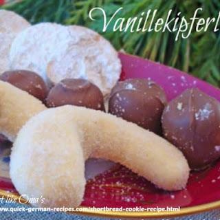Vanillekipferln ~ Shortbread Cookie.