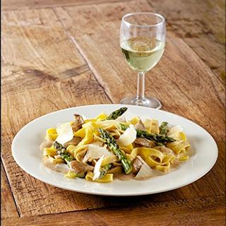 Tagliatelle Truffels & Room met asperges, oesterzwammen en Parmezaanse kaas