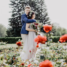 Wedding photographer Asya Molochkova (emptyredhead). Photo of 05.06.2018