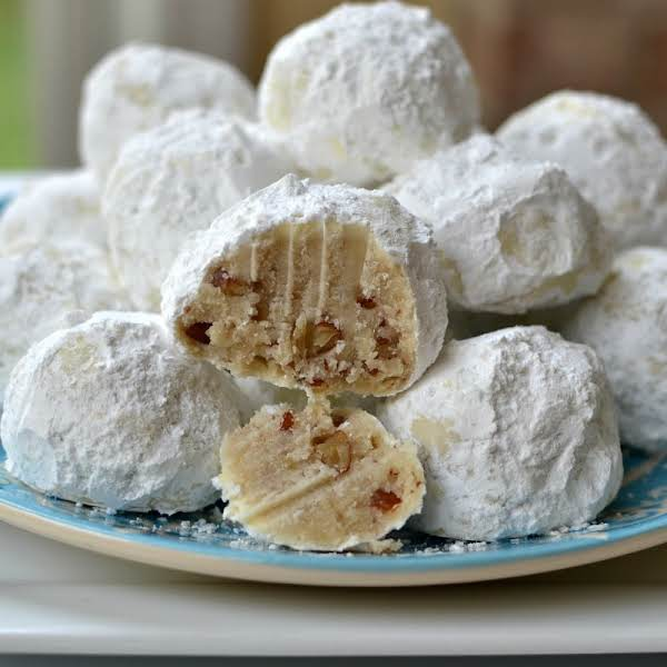 Buttery Pecan Snowball Cookies Recipe