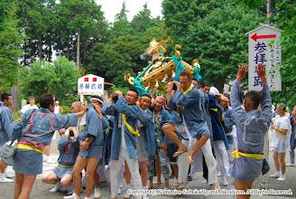 Photo: 【平成19年(2007) 本宮】 亀ヶ池八幡宮境内での神輿もみ。