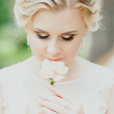 Wedding photographer Kseniya Shalkina (KSU90). Photo of 09.08.2017