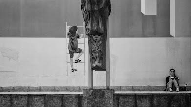 Photo: climb...  #street #streetphotography #shootthestreet #blackandwhite #blackandwhitephotography #bw #monochrome