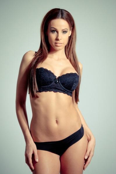 lingerie-99761_1280.jpg