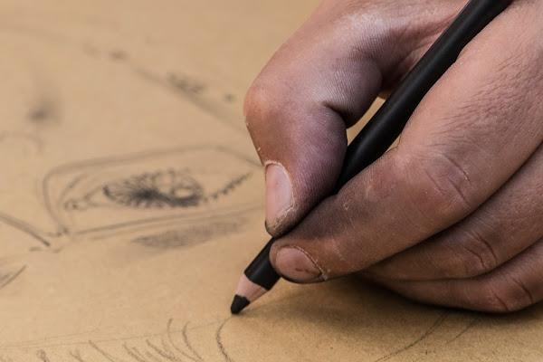 Mani che disegnano di Davide_79