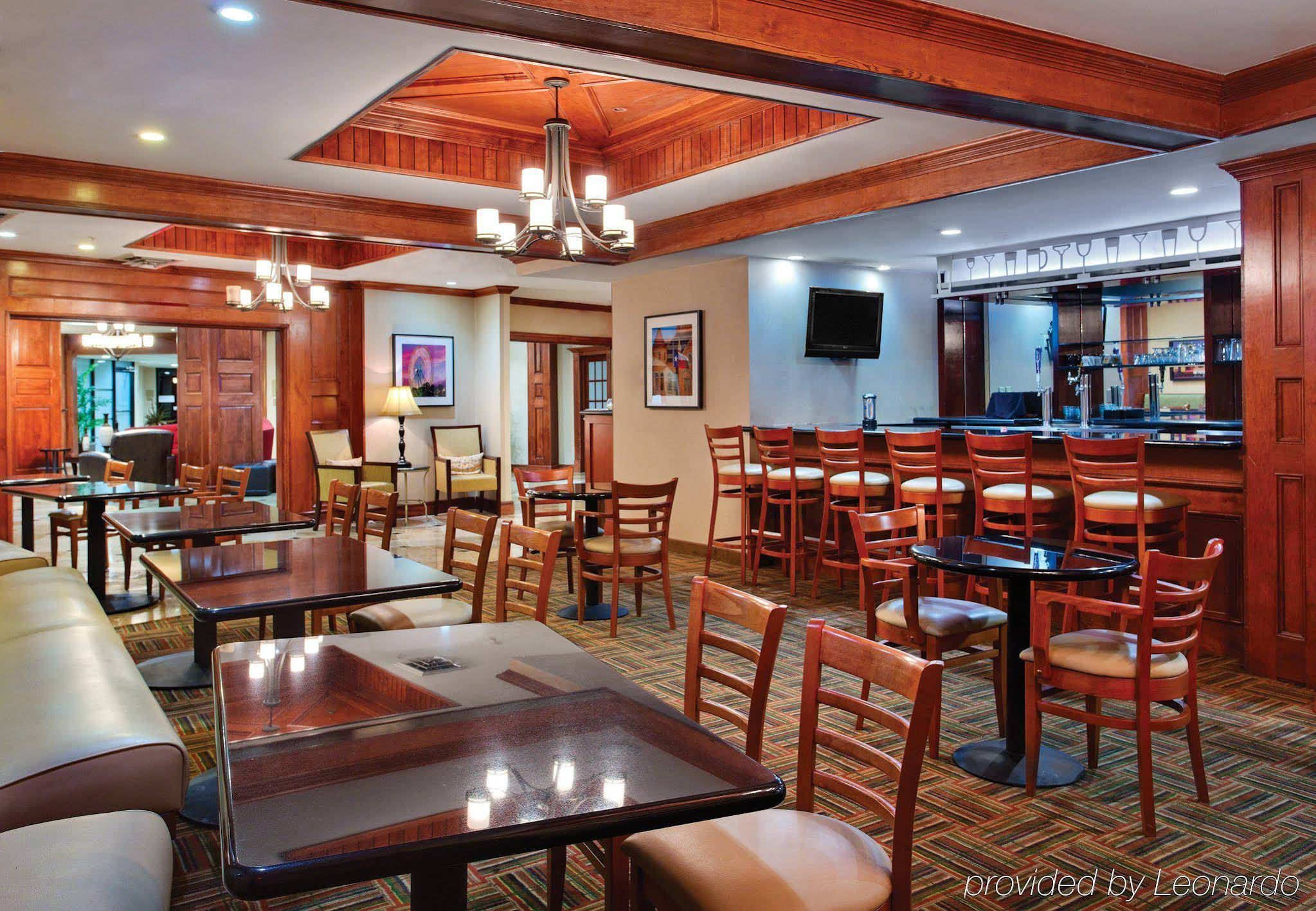 Holiday Inn Dallas Market Center