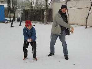 Photo: ¡Todos fuimos niños jugando con la nieve!