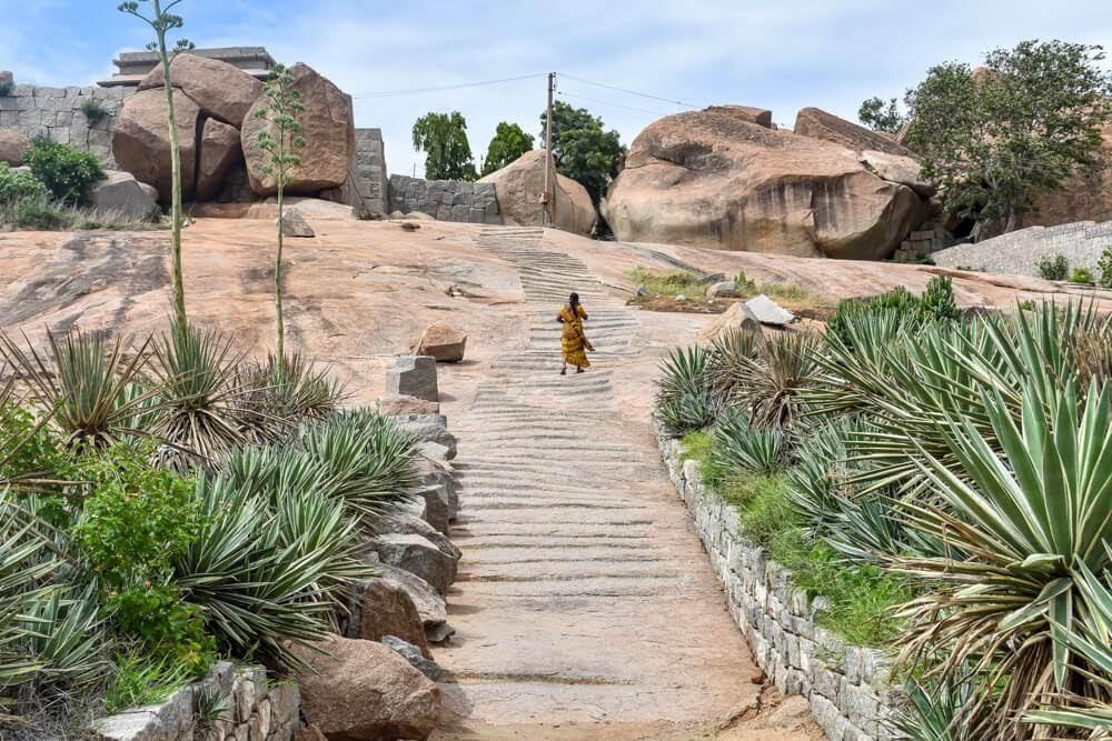 stairs+hemakuta+hill+Kadalekalu+Ganesh