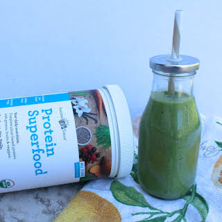 Superfood Protein Green Smoothie.