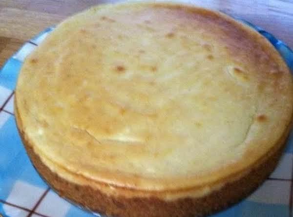 New York Style Vanilla Bean Cheesecake