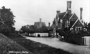 Photo: Front Entrance to Wateringbury Railway Station
