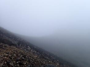 山頂直下の稜線(山頂はガス・・・)