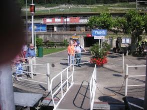 Photo: Die Reise führt uns über Twann bis nach Le Landeron am Bielersee