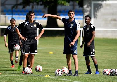 Karim Belhocine écarte Pollet, Grange et Gholizadeh pour sa première sélection