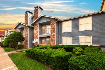 Go to Bella Vista Creek Apartments website