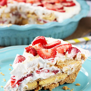 No Bake Strawberry Lemon Cookie Pie