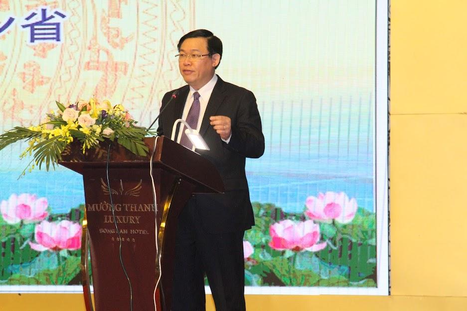 Ông Vương Đình Huệ - Ủy viên Bộ Chính trị, Phó Thủ tướng Chính phủ phát biểu tại Hội nghị